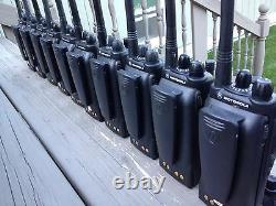 (25) MOTOROLA HT750 TWO WAY PORTABLE RADIOS VHF 136-174MHz 16ch AAH25KDC9AA3AN