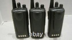 Lot of 3 MOTOROLA CP185 VHF 136-174MHz 16ch Two Way Radio AAH03KEF8AA7AN withbatt