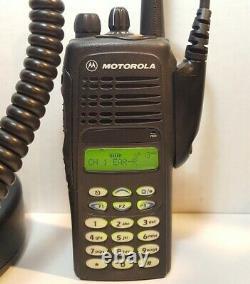 MOTOROLA HT1250 VHF 136-174MHz DTMF Police Fire EMS Two-Way Radio AAH25KDH9AA6AN
