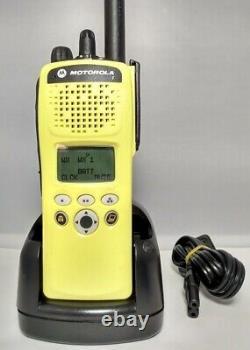 MOTOROLA XTS2500 II VHF 136-174 MHz Military Police Fire EMS Digital Radio XTS