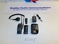 Motorola HT1250 450-512 MHz UHF Two Way Radio w Impres & Mic AAH25SDF9AA5AN