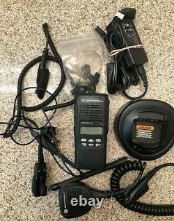 Motorola HT1250 LS UHF 403-470 Two Way Radio AAH25RDH9DU5AN