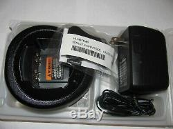 Motorola HT1250 UHF 450-512MHz Two Way Radio AAH25SDF9AA5AN with Charger