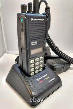 Motorola MTS2000 800mhz Model III 3 Watt Portable Two-Way Radio H01UCH6PW1BN