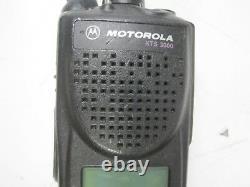 Motorola XTS3000 Digital Radio -no ac adapter no battery- H09RDH9PW7BN