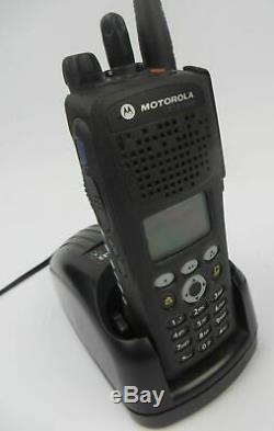 Motorola XTS 2500 Model 3 H46UCH9PW2BN UHF 764-870 MHz Two-Way Radio With Charger