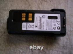 NICE Motorola XPR 7550e two-Way radio withCharger & Impres Batt AAH56RDN9WA1AN