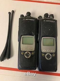 2 X Motorola Xts5000 Modèle II 700 / 800mhz Radio À Deux Voies H18ucf9pw6an Avec Antenne