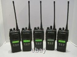 5 X Motorola Ht1250 Ls+ Uhf 450-512mhz Aah25sdh9dp5an Two Way Radio Withbattery