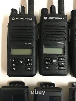 (6) Motorola Mototrbo Xpr3500e Uhf Aah02rdh9va1an Deux Voies Radios W Chargers