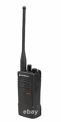6 Motorola Rdu4100 4 Watt Uhf Business Radios Dans Les Deux Sens Et Hkln4606 Micros À Distance