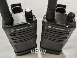 6 Rénové Uhf Motorola Rmu2040 Radios Bidirectionnelles Avec 6 Banque Station De Charge
