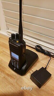 Deux Manières Radio Motorola Xpr7550e 403-470 Ham Trbo Dmr