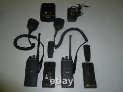 Deux Motorola Pr860 136-174 Mhz Vhf 16ch 5w Two Way Radio Aah45kdc9aa3an Ge298