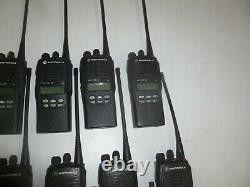 Lot De 37 Motorola Ht1250 Ls+ 450-512 Mhz Uhf Two Way Radio Aah25sdh9dp7an