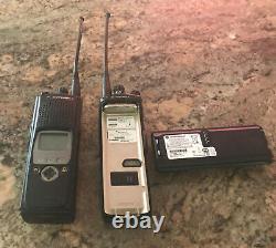 Lot De 4 Motorola Xts 5000 Modèle II 700-800mhz Two Way Radio H18ucf9pw6an