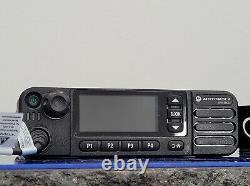 Motorola Aam28trn9ra1an Xpr5550e Uhf Radio À Double Sens