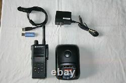 Motorola Apx4000 P25 Digital Uhf Gamme 2 Radio Dans Les Deux Sens Avec Extras