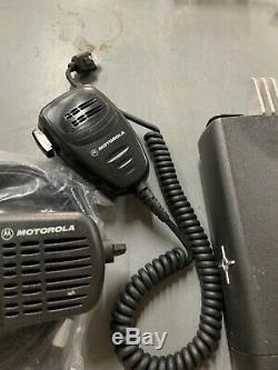 Motorola Cdm1250 Cdm1250 Vhf Low Band 42-50mhz 60w Deux Voies 64 Canaux Radio Mobile