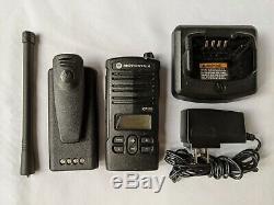 Motorola Cp110d Vhf Murs Radio Bidirectionnelle. 100% Compatible Avec Walmart Rdm2070d