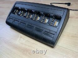 Motorola Dp4400 Uhf X 6 Radios À Deux Sens Avecbatteries Et Impres Multi Charger