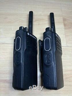 Motorola Dp4400e Uhf Radios Bidirectionnelles Withbatteries Et Chargeur