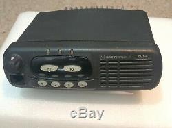 Motorola Gm340 Vhf (136-174 Mhz) Mobile / Deux Véhicules Way Radio X 10
