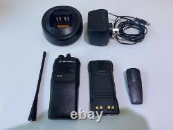 Motorola Gp328 4 Ch Uhf Handheld Two-way Radio Set