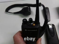 Motorola Ht1250 450-512 Mhz Uhf Radio À Deux Voies W Impres & MIC Aah25sdf9aa5an