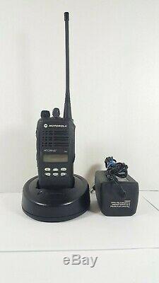 Motorola Ht1250 Ls + 450-512 Mhz Uhf Aah25sdh9dp7an Radio Deux Voies Et Accessoires