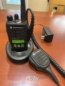 Motorola Ht1250 Ls + Two Way Radio Uhf 403-470mhz Utilisé