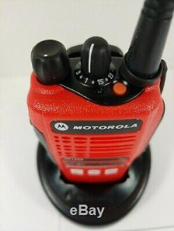 Motorola Ht1250 Uhf 450-512mhz Two Way Radio Aah25sdf9aa5an Rouge