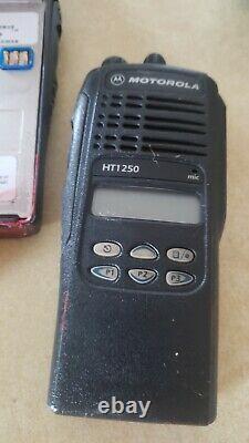 Motorola Ht1250 Vhf 136-174 Mhz Aah25kdf9aa5an Radio Deux Voies Seulement Ht 1250