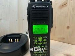 Motorola Ht1550xls Uhf Avec Fpp Chargeur Et La Batterie 403-470mhz Radio Bidirectionnelle