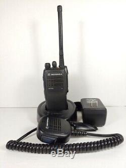 Motorola Ht750 16ch Vhf 136-174 Mhz Bidirectionnelle Radio Aah25kdc9aa3an