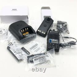 Motorola Mototrbo Xpr3500e Uhf Modèle Aah02rdh9va1an Radio À Double Sens Avec Chargeur