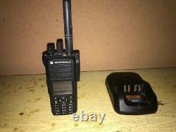 Motorola Mototrbo Xpr7550e 404-512mhz Uhf Radio Portable À Deux Sens