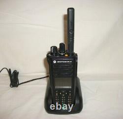 Motorola Mototrbo Xpr 7550 Color Display Portable Digital Radio Dans Les Deux Sens