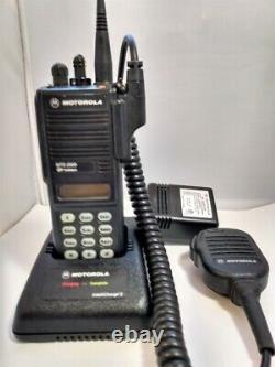Motorola Mts2000 800mhz Modèle III 3 Watt Portable Two-way Radio H01uch6pw1bn