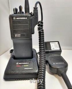 Motorola Mts2000 Modèle I 800 Mhz 3 Watt Portable Radio À Deux Sens H01ucd6pw1bn