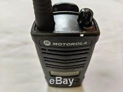 Motorola Rdm2070d Walmart Vhf Radio Bidirectionnelle. 2 Watts / 7 Canaux