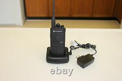 Motorola Rdx Series Rdu4103 Uhf 2-way Two-way Radio Walkie Talkie 10 Channel