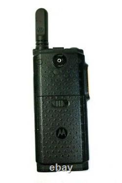 Motorola Sl300 Uhf Portable 99 Affichage Du Canal Actif Deux Voies Radio Avec Chargeur