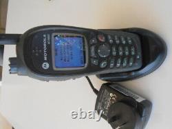 Motorola Two Way Radio Mth800 Radio Avec Chargeur De Bureau
