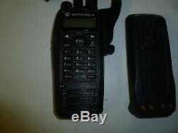 Motorola Xpr6550 Trbo 136-174 Mhz Vhf Radio À Deux Voies Avec Chargeur Aah55jdh9la1an