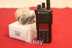 Motorola Xpr7580e Digital Radio 800/900mhz Avec Nouvelle Pièce Charger# Aah56ucn9wb1an