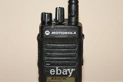 Motorola Xpr 3500 Uhf Digital (aah02rdh9ja2an) Radio À Deux Sens Avec Accessoires