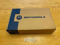 Motorola Xpr 4550 Radio Dans Les Deux Sens