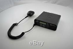 Motorola Xpr 4550 (xpr4550) Two Way Radio Aam27trh9la1an Avec Micro Rmn5052a