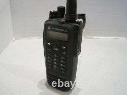 Motorola Xpr 6550 Vhf 136-174 Mhz Radio Numérique À Deux Voies Aah55jdh9la1an Avec Batt